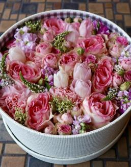 Pink Heaven | Pink roses on Valentine's Day flowers