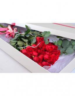 Bouquet of red roses in a smart box | Flowers for Birthday flowers