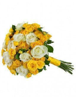 Mix bouquet of 25 white/yellow spray roses | White roses flowers
