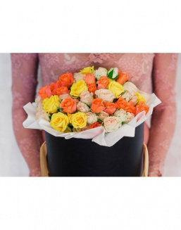Bright - a mix of roses in a decorative box | 101 roses expensive flowers