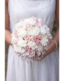 Pastel imagination | White roses flowers