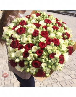 Bota | White roses flowers